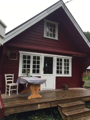 Cabin by the sea, Lyngen