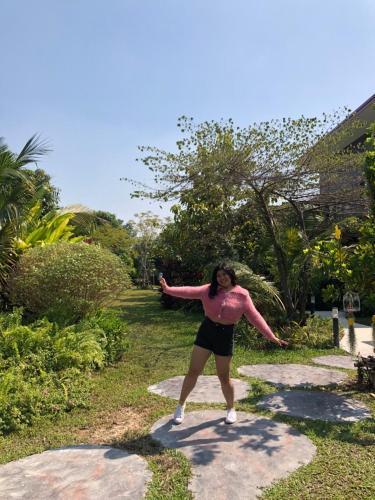 บ้านสวนใกล้กรุงบางกะเจ้า, Phra Pra Daeng