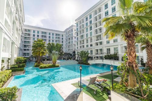 The Orient Resort & Spa Pool access Pattaya, Pattaya