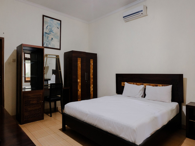Mahkota Plengkung Hotel by ecommerceloka, Banyuwangi