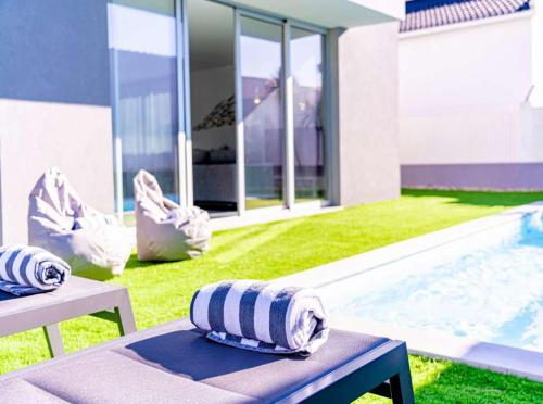 Villa Almada Premium Modern 3 Bedroom Villa Well Furnished Interior Aroeira, Almada