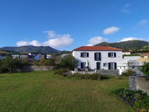 Fully equiped family Friendly House, next to the beaches in the Azorean Riviera, Vila Franca do Campo