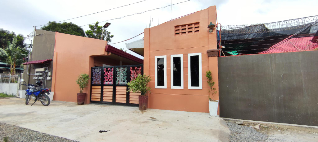 OYO 702 Queens Hometel, Tagum City