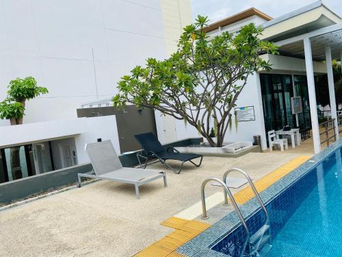 Linhai 20 meters Villa four floors, four bedrooms, Pattaya