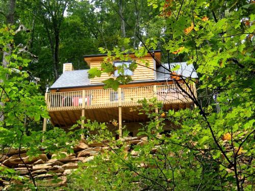 Black Beary Cabin, Henderson