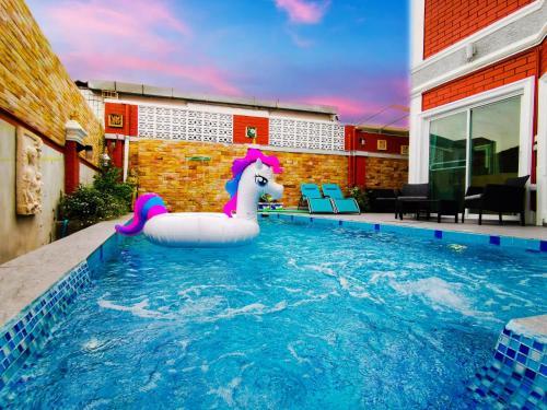 Villa Bella - 5 Bedrooms Private Pool Villa, Bang Lamung