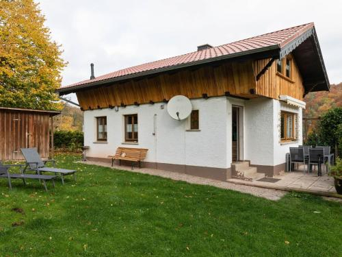Luxurious Holiday home in Wutha-Farnroda with Terrace, Wartburgkreis