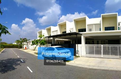 free wifi full aircond big tv big house 0136288405 seremban sendayan, Seremban