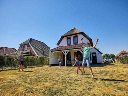 Child-friendly farmhouse villa with PlayStation in Limburg, Roggel en Neer