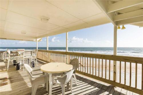 Cozy Cottage, 3 Bedrooms, Sleeps 6, Ocean Front, Pet Friendly, WiFi, Flagler