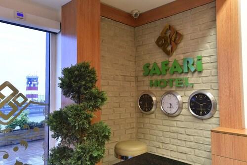 Safari Hotel, Merkez