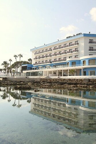 Arkin Palm Beach Hotel,