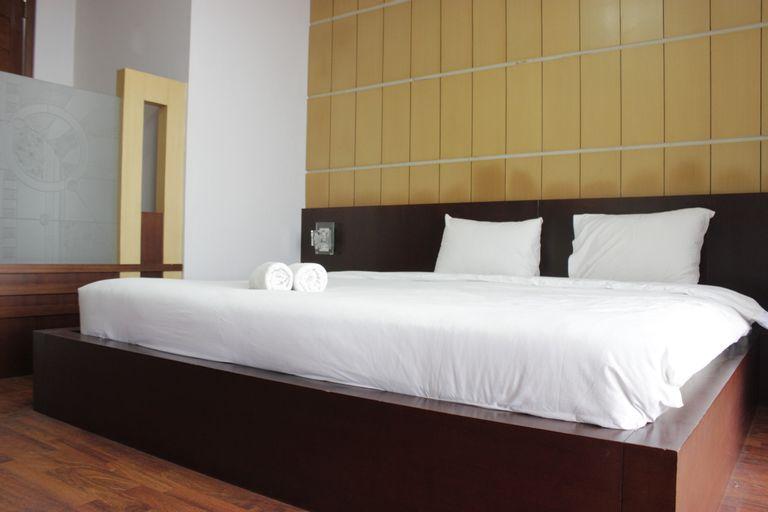Spacious & Deluxe 2BR Dago Butik Apartment with Mountain View By Travelio, Bandung