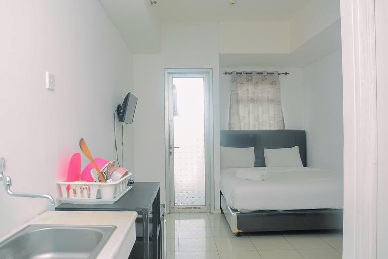 Functional and Minimalist Greenlake Sunter Studio Apartment By Travelio, North Jakarta