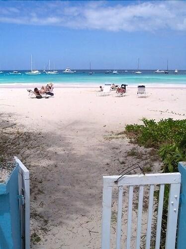 Nautilus Beach Apartments,