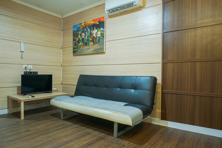 Luxurious Design 1BR The Boulevard Apartment By Travelio, Central Jakarta