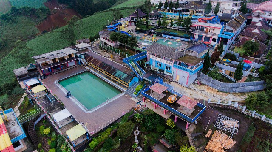 Puncak Darajat Resort, Garut