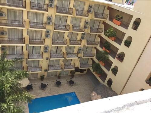Hotel Brisareli, Acapulco de Juárez
