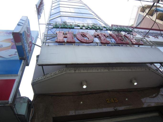 SaiGon Sky Hotel, Quận 1