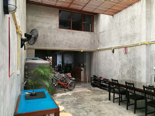 Petit Hostel Bangkok, Khlong San