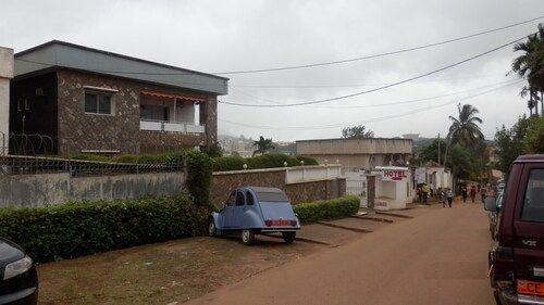 Hotel Laginaque, Mfoundi
