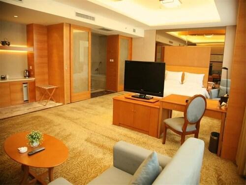 Dalian Bolt Hotel, Dalian