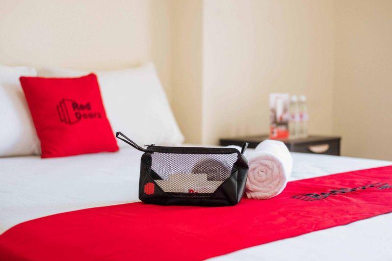 RedDoorz Plus @ Vantas Hotel Parbaba, Samosir