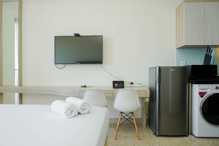 Cozy and Furnished Studio at Menteng Park Apartment By Travelio, Central Jakarta