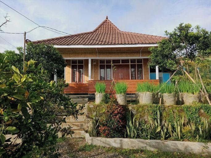 Mini Villa NES Ciwidey 6-Person, Bandung