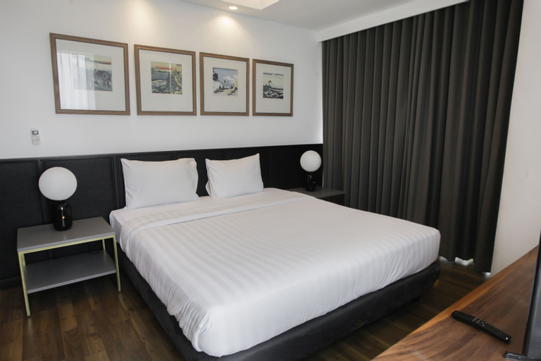Premium 2BR Apartment near Marvell City Mall at The Linden By Travelio, Surabaya