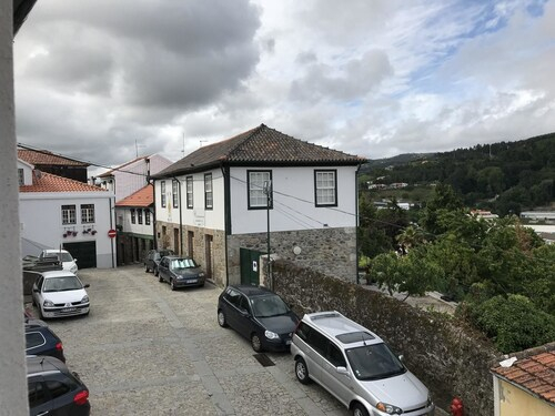house with 3 bedrooms in lamego, with wonderful city view and wifi, Lamego