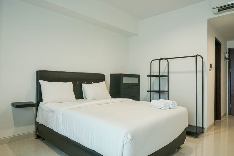 Elegant Studio at West Vista Apartment with City View By Travelio, West Jakarta