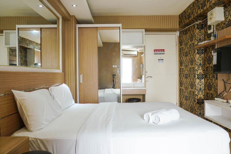 Good Deal Bassura City Studio Apartment near Shopping Mall By travelio, East Jakarta