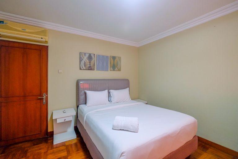 Elegant and Homey 1BR Nuansa Hijau Apartment Pondok Indah By Travelio, Jakarta Selatan