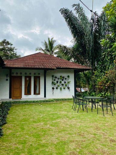 Villa Kelana di Kaki Gunung Salak, Bogor