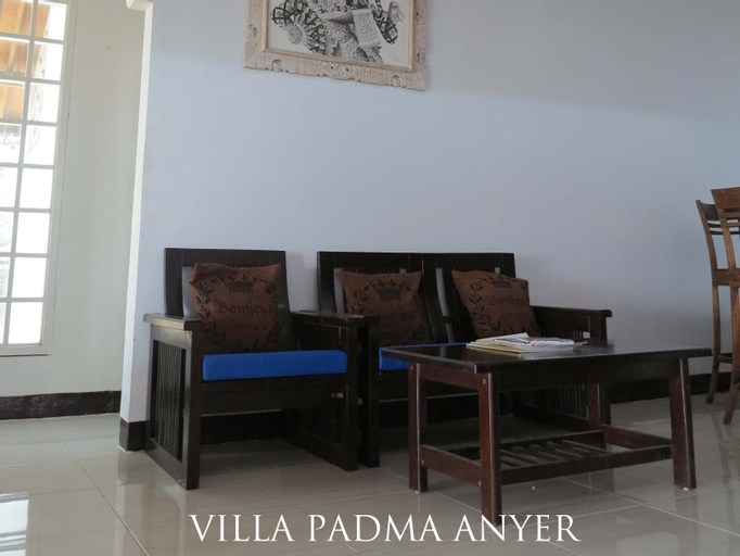 Padmadewi Anyer, Serang