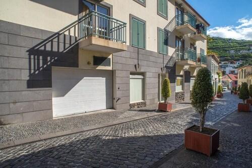 apartment with 2 bedrooms in câmara de lobos, with wonderful sea view, balcon..., Câmara de Lobos