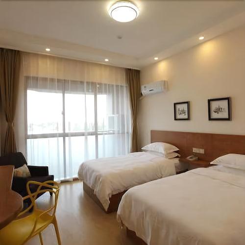 Haining Ruiqi Hotel, Jiaxing