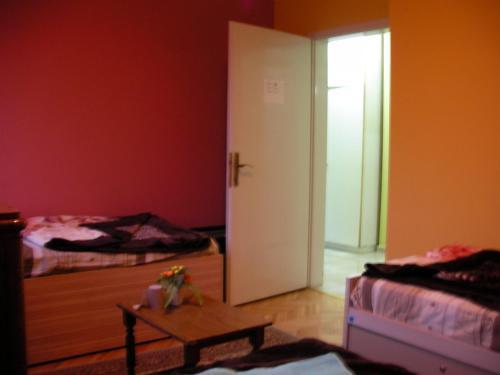 Laki Apartments & Suites,