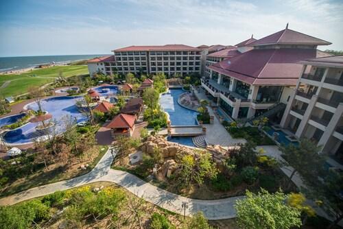 Arcadia Seaside Holiday Hotel, Qinhuangdao