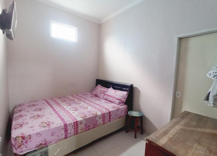 OYO 90234 Dhoho Family Guest House, Kediri