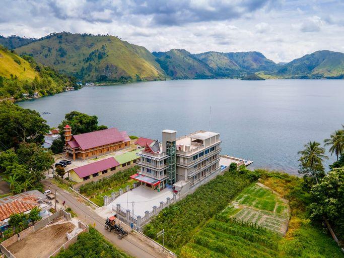 Senior Bakara Hotel, North Tapanuli