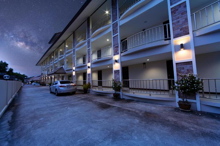 OYO 75390 Sunee Place Hotel, Ban Chang
