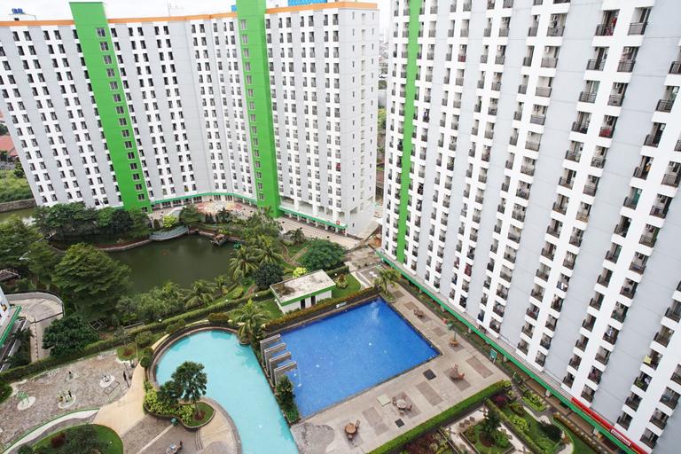 Apartment Green Lake View Ciputat by Celebrity Room, Tangerang Selatan