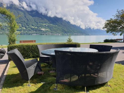 Lake House, Interlaken