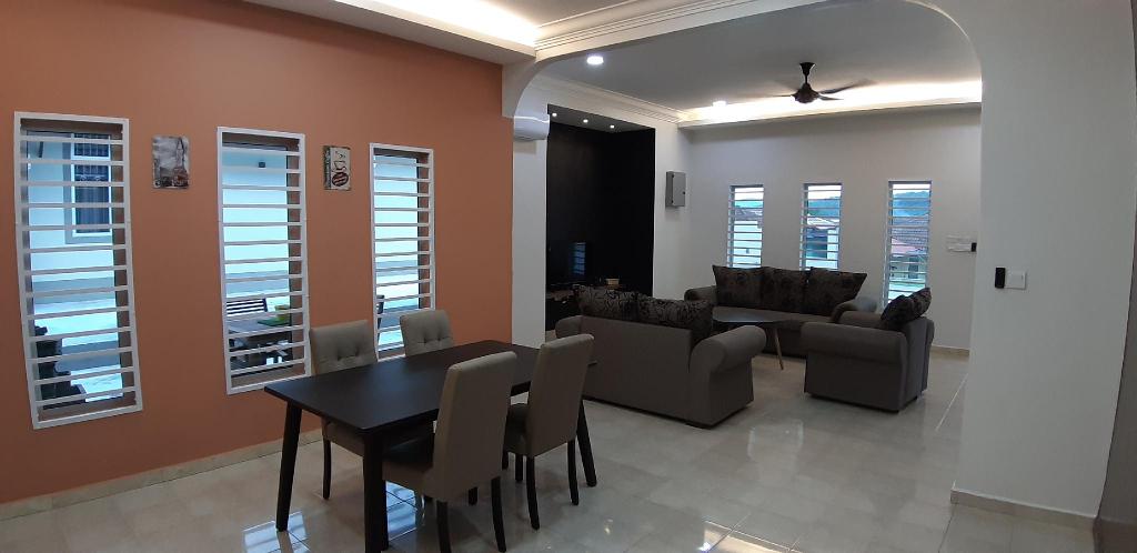 3 Bungalow House (Rent Room only) Kuala Pilah 2301, Kuala Pilah