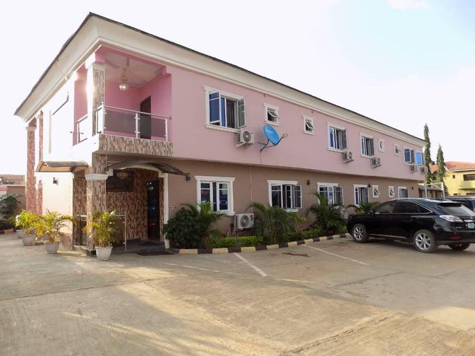 De Fellas Palace Hotel & Suites, Egbeda