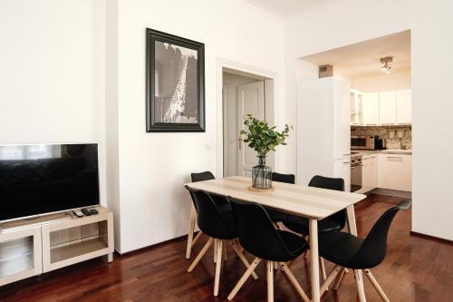 Apartment Gesse Kollarova, Praha 7