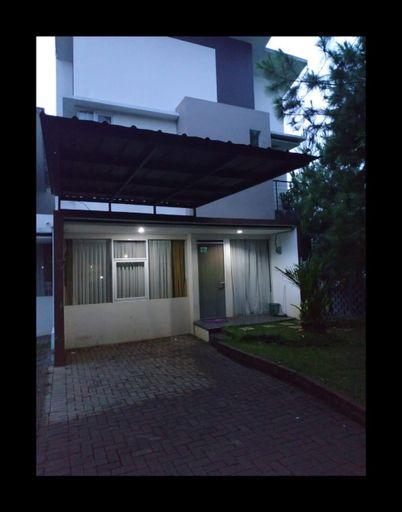 Greenhill Home Garut 2 Lantai ( Family Home ), Garut