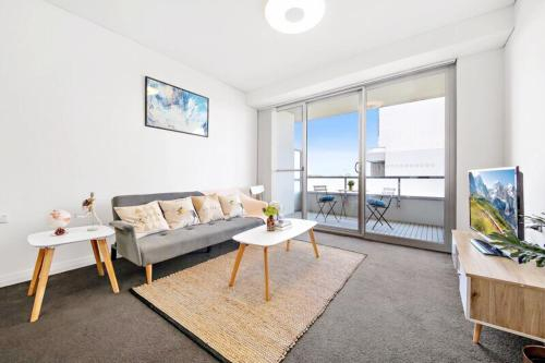 All amenities only downstairs, 20 mins to CBD, Burwood